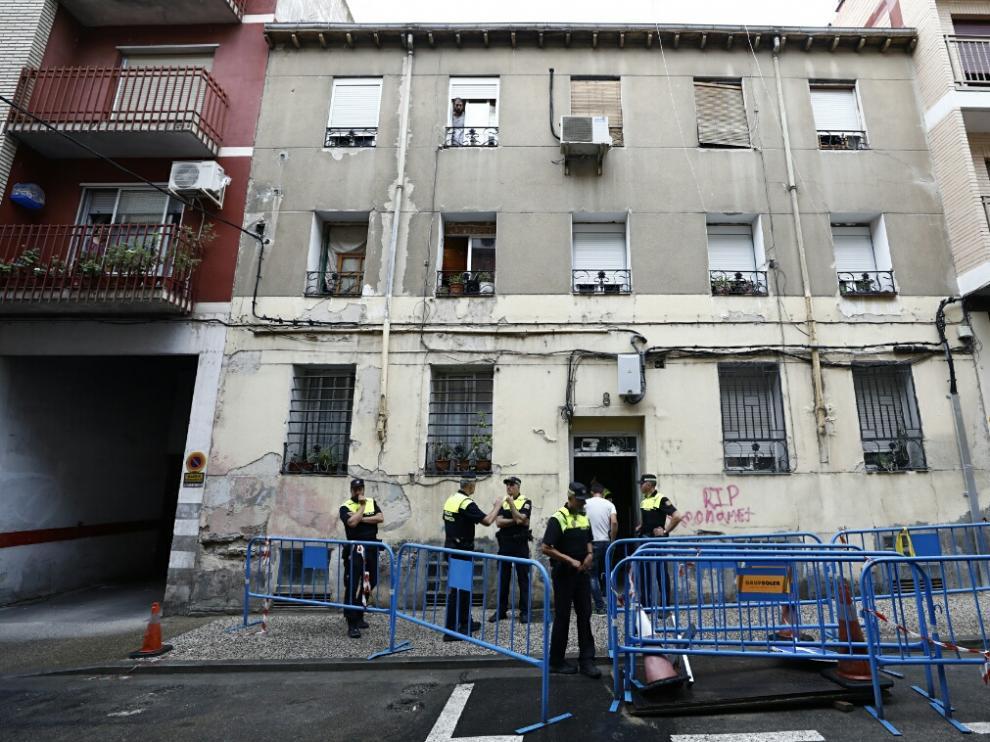 Derrumbe parcial de un edificio en el barrio de Jesús de Zaragoza.