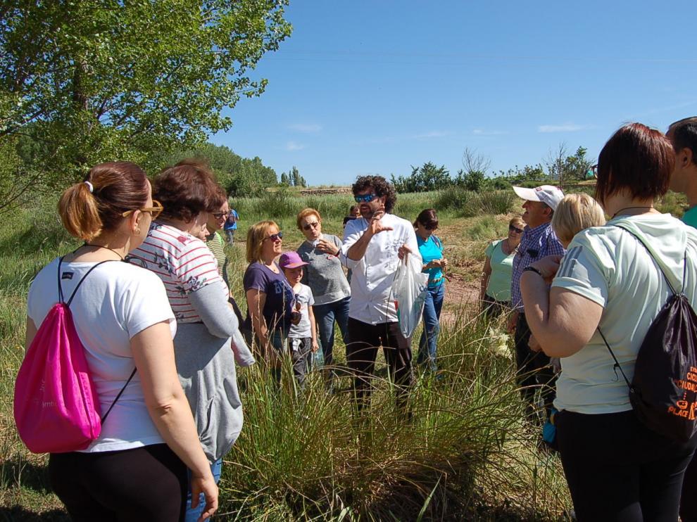 El taller de plantas silvestres aplicadas a la cocina inauguró el programa de este verano en Valbona