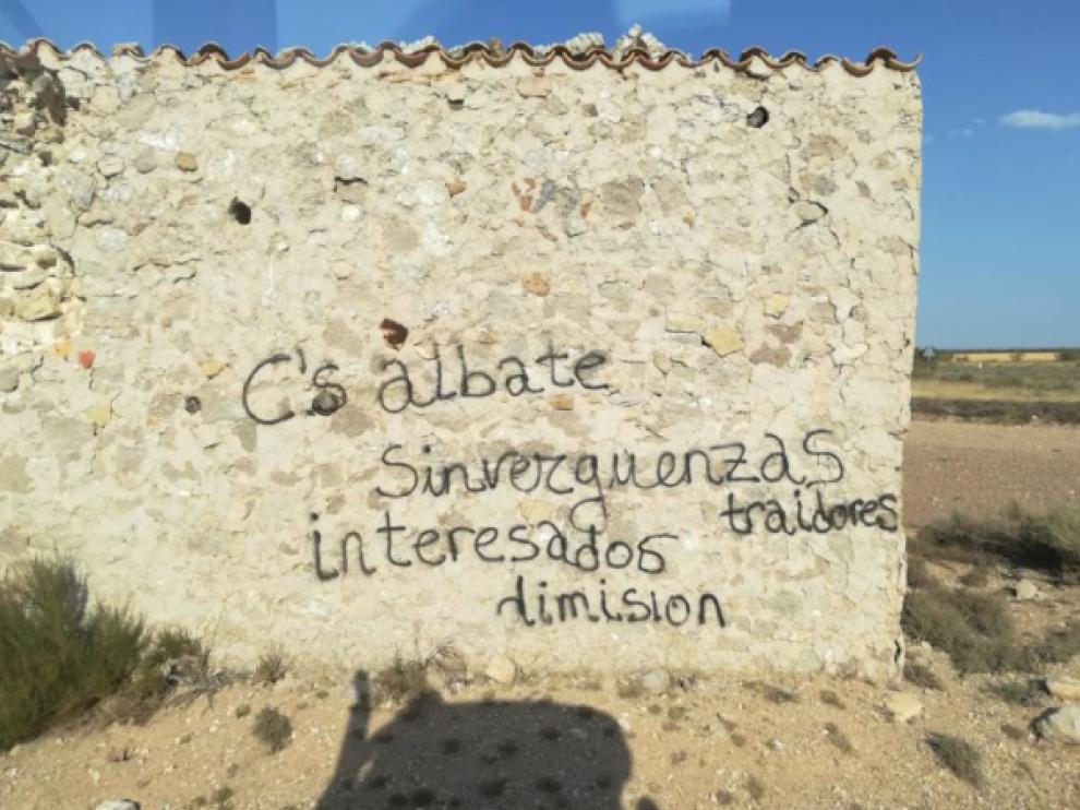 Pintadas contra Cs en Albalate.