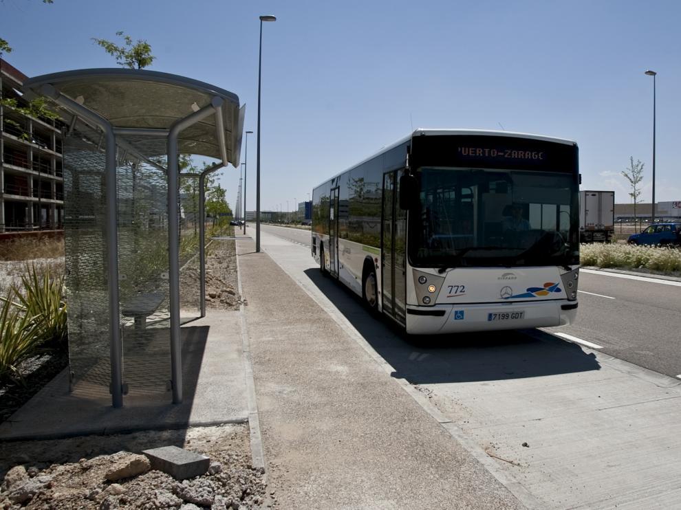 Imagen de archivo de un autobús de Plaza en una de las paradas habilitadas en el polígono logístico.