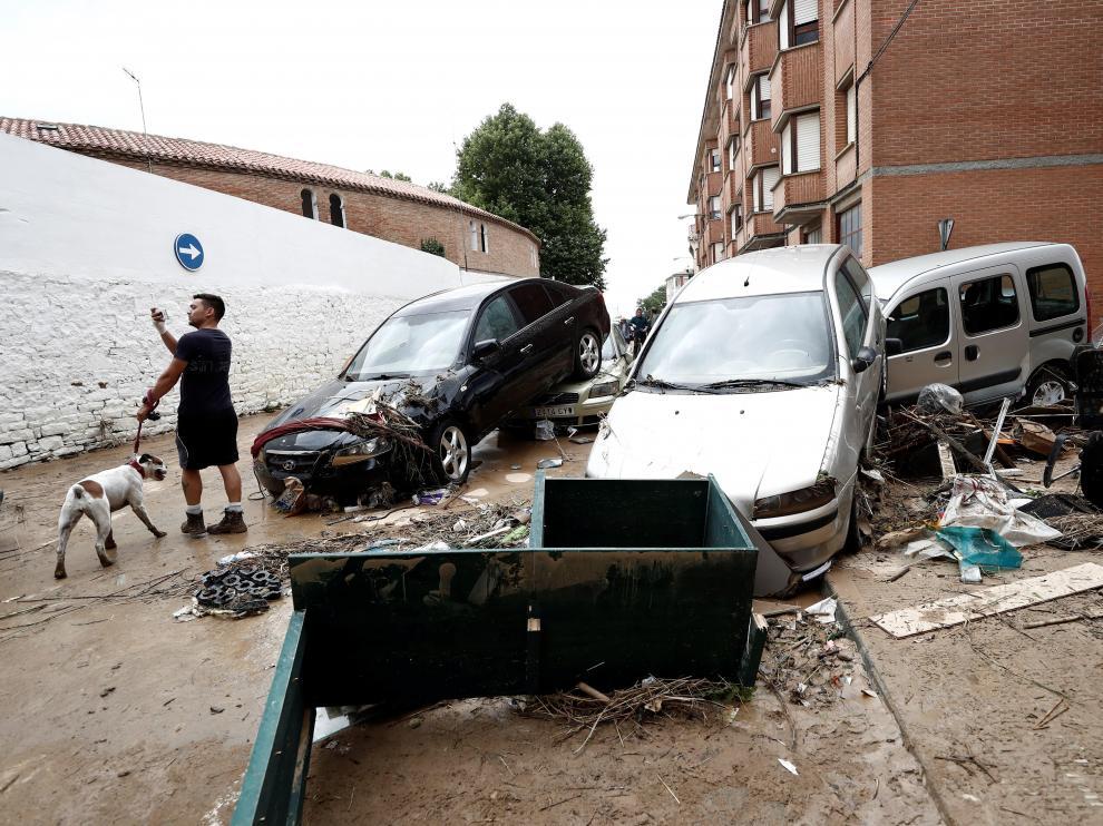 Graves daños en Tafalla (Navarra) por las lluvias torrenciales de este lunes.