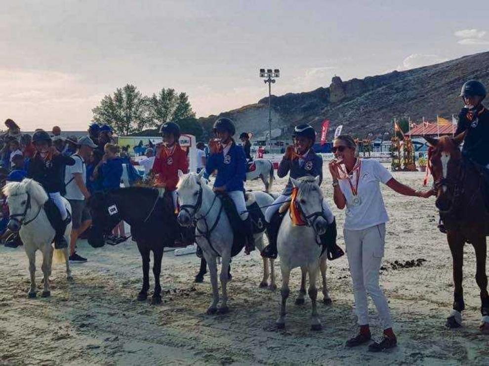 Los componentes del Pony Club Aragón Utebo