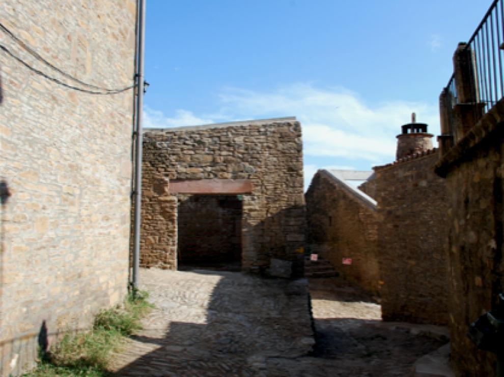 Consolidación de edificios en la zona del Camino de Santiago en Ruesta