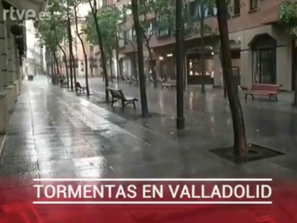 Captura de la retransmisión en directo del canal 24h de RTVE en la que se ven las calles de Valladolid
