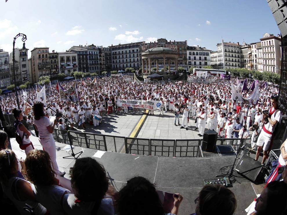Miles de personas se concentran en Pamplona contra una nueva agresión sexual en Sanfermines.