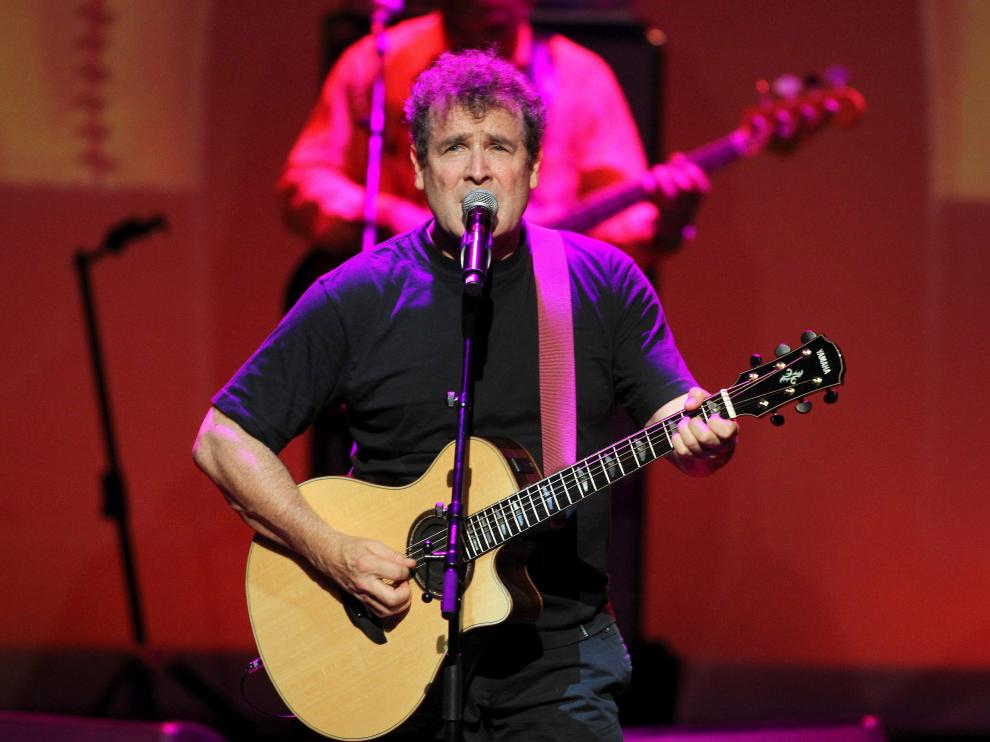 FILE PHOTO: South African singer Johnny Clegg performs during the South Africa Gala night at the Monte Carlo opera, September 29, 2012. REUTERS/Sebastien Nogier/Pool/File Photo [[[REUTERS VOCENTO]]] SAFRICA-CLEGG/
