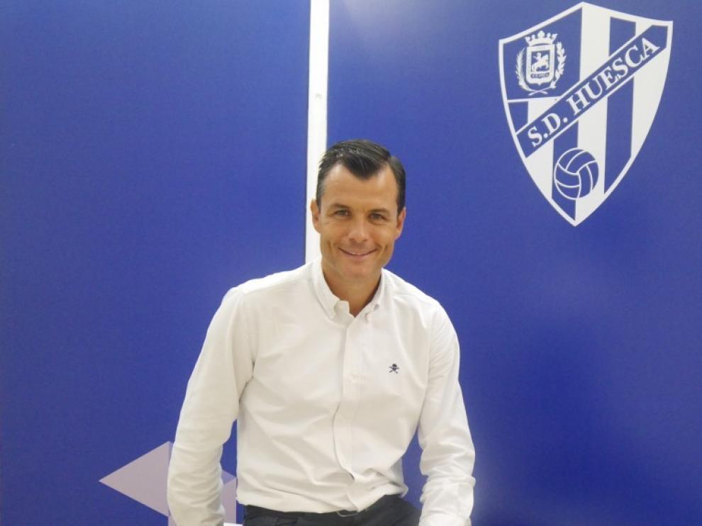 Juanjo Camacho se suma así al organigrama del club oscense.