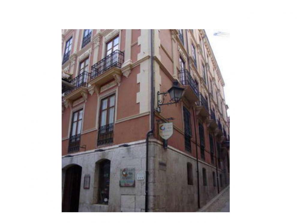 Edificio de Cáritas en Teruel ubicado en la calle Hartzenbusch.