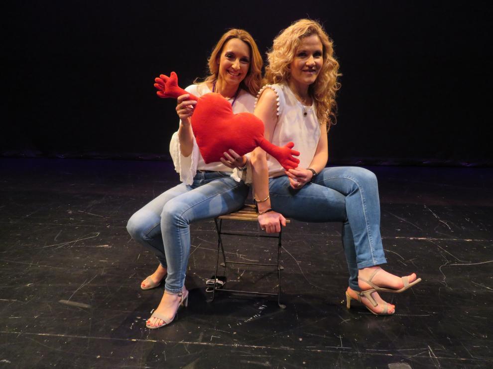 La psicóloga zaragozana Patricia Ramírez se sube a las tablas del escenario junto a la experta en dependencia emocional Silvia Congost para compartir su experiencia profesional en clave de humor.