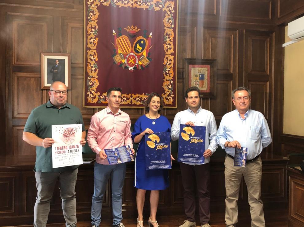 Presentación de Noches de Verano en el Ayuntamiento de Teruel con representantes de Música Ciudad de Teruel, Festifalk y Ciclo La Huella.