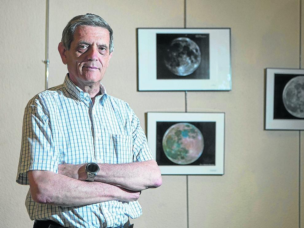 Eduardo Francés es socio de la Agrupación Astronómica Aragonesa, que cumple 30 años.