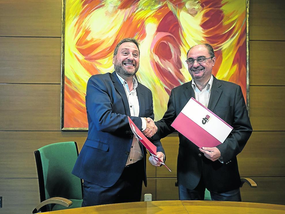 FIRMA DEL ACUERDO DE INVESTIDURA ENTRE PSOE Y CHA / LAS CORTES DE ARAGON / 19/07/2019 / FOTO : OLIVER DUCH [[[FOTOGRAFOS]]]
