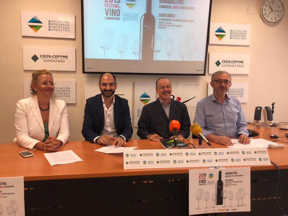 Presentación de la campaña del comercio con motivo del Festival Vino Somontano.