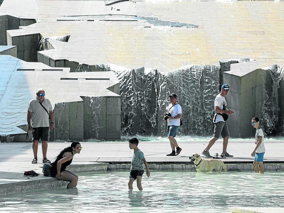 CALOR EN ZARAGOZA / ALTAS TEMPERATURAS / 21/07/2019 / FOTO : OLIVER DUCH [[[FOTOGRAFOS]]]