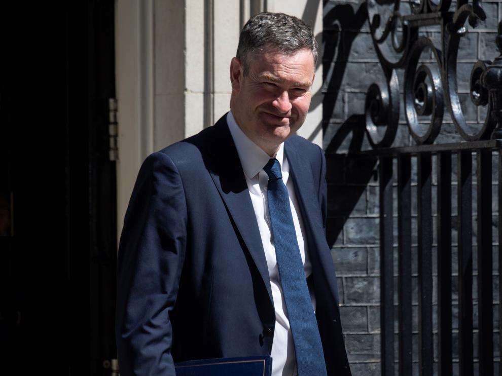 David Gauke sale de una reunión en 10 Downing Street.