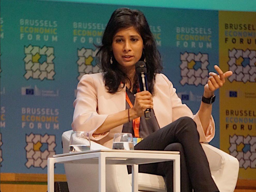 Gita Gopinath, economista del FMI, ha presentado el estudio en Santiago de Chile.
