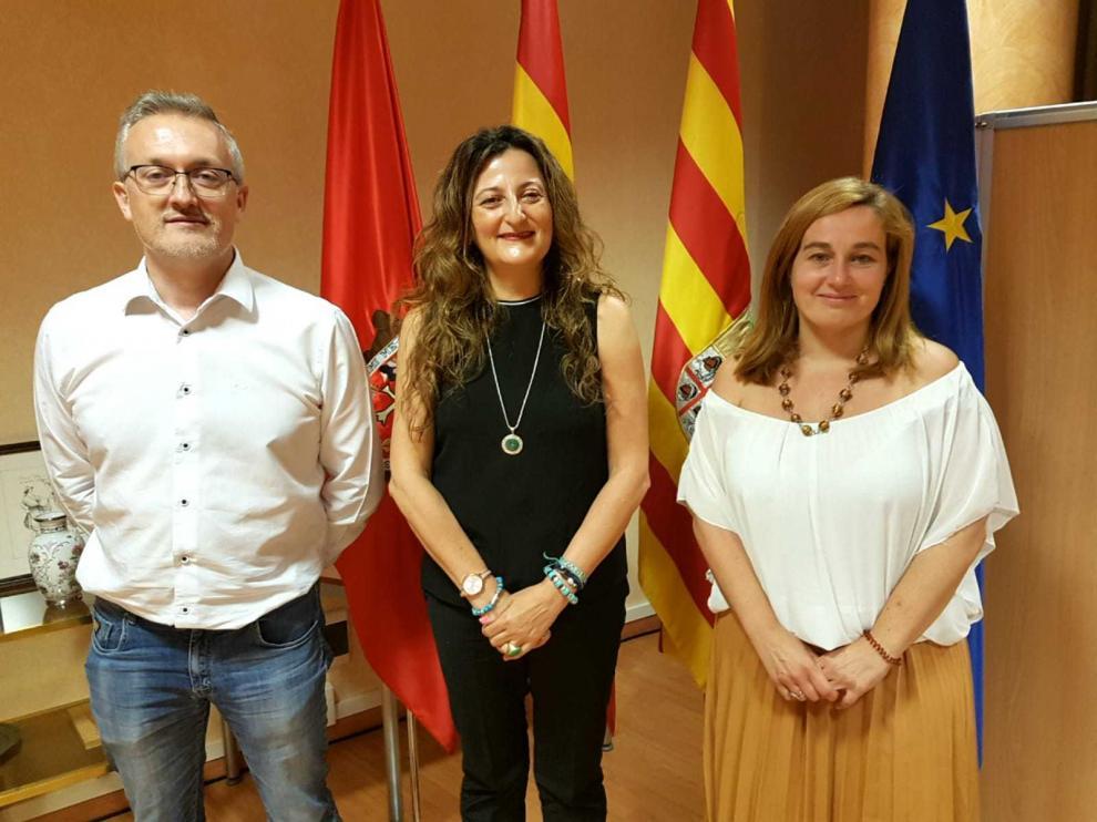 La Subdelegada del Gobierno de España en Huesca, Isabel Blasco, el Alcalde de la ciudad, Juan Manuel Ramón, , así como representantes de las fuerzas y Cuerpos de Seguridad.