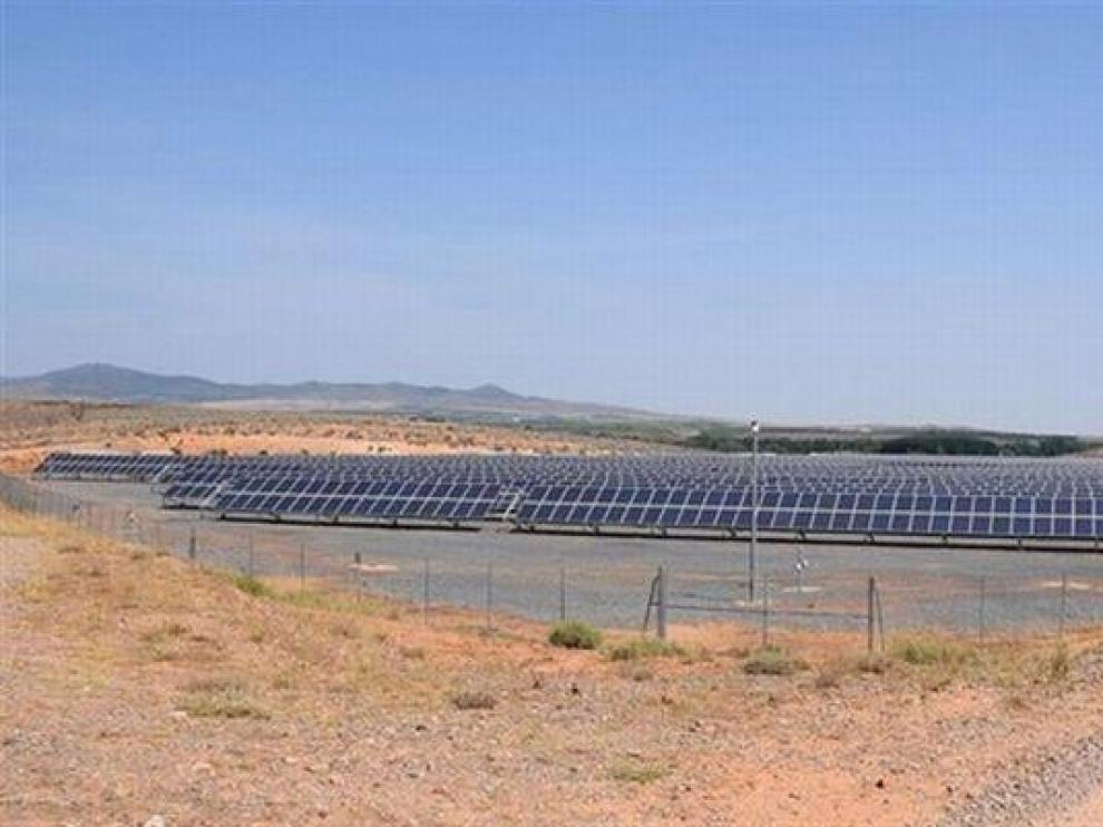 La planta fotovoltaica construida en 2009 en La Almunia de Doña Godina.