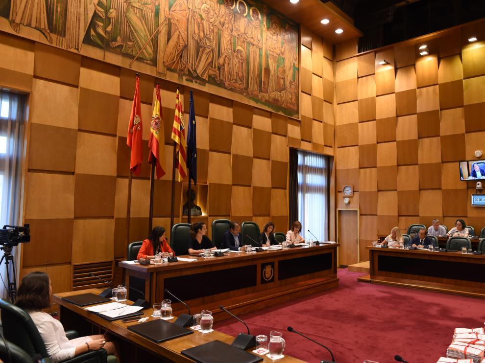 Comisión Acción Social en el Ayuntamiento de Zaragoza.