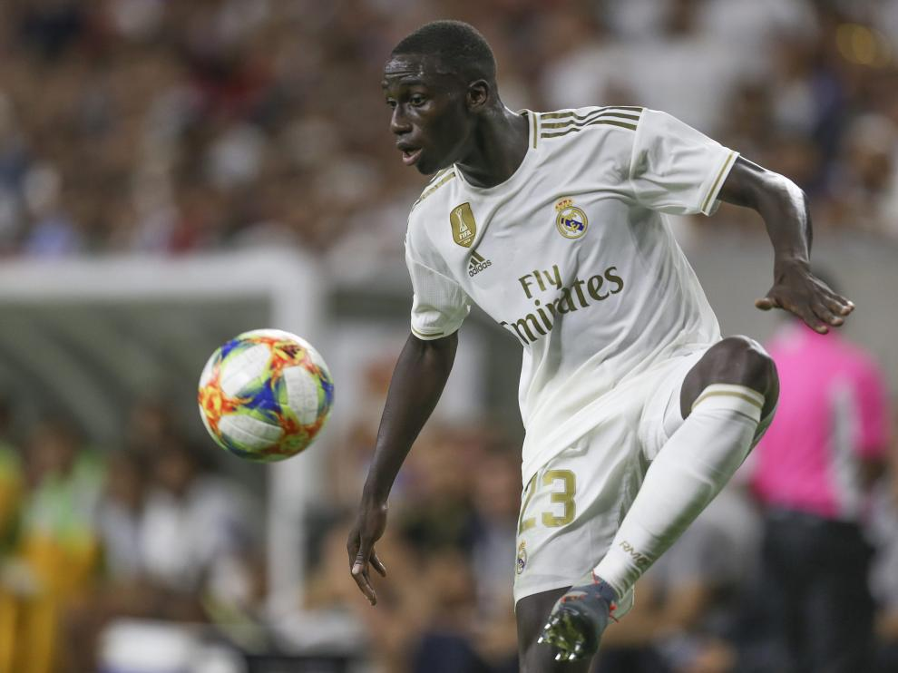 Jul 20, 2019; Houston, TX, USA; Real Madrid defenseman Ferly Mendy (23) traps the ball against Bayern Munich in the second half during the International Champions Cup soccer series at NRG Stadium. Mandatory Credit: Thomas B. Shea-USA TODAY Sports [[[REUTERS VOCENTO]]] SOCCER-ICC/