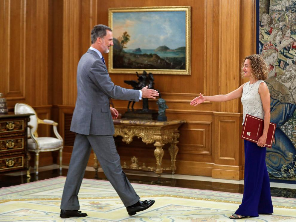 El Rey se ha reunido con la presidenta del Congreso, Meritxell Batet, y en privado, con Pedro Sánchez