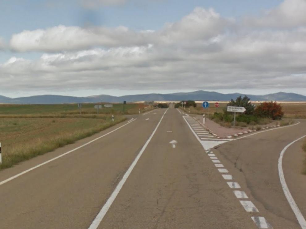 El accidente que costó la vida al motorista se produjo en esta 'raqueta' de la N-330, a la altura de Mainar.