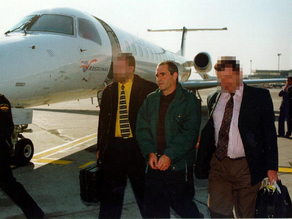 El etarra 'Baldo', el día que fue extraditado a España por las autoridades francesas.