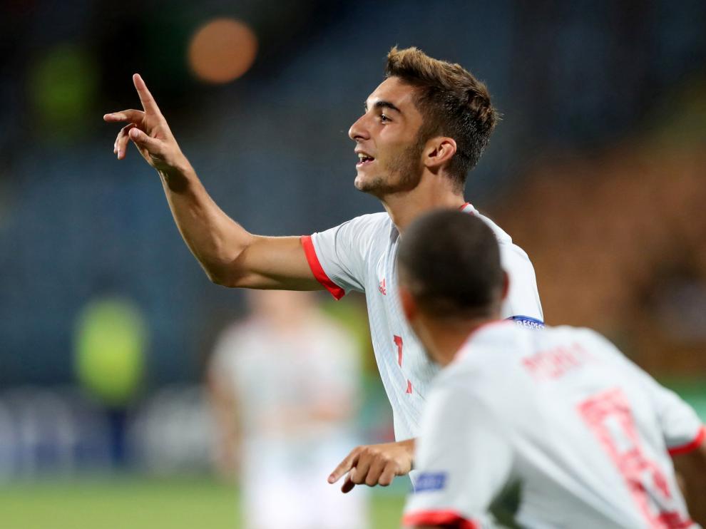 Ferrán Torres celebra uno de los goles