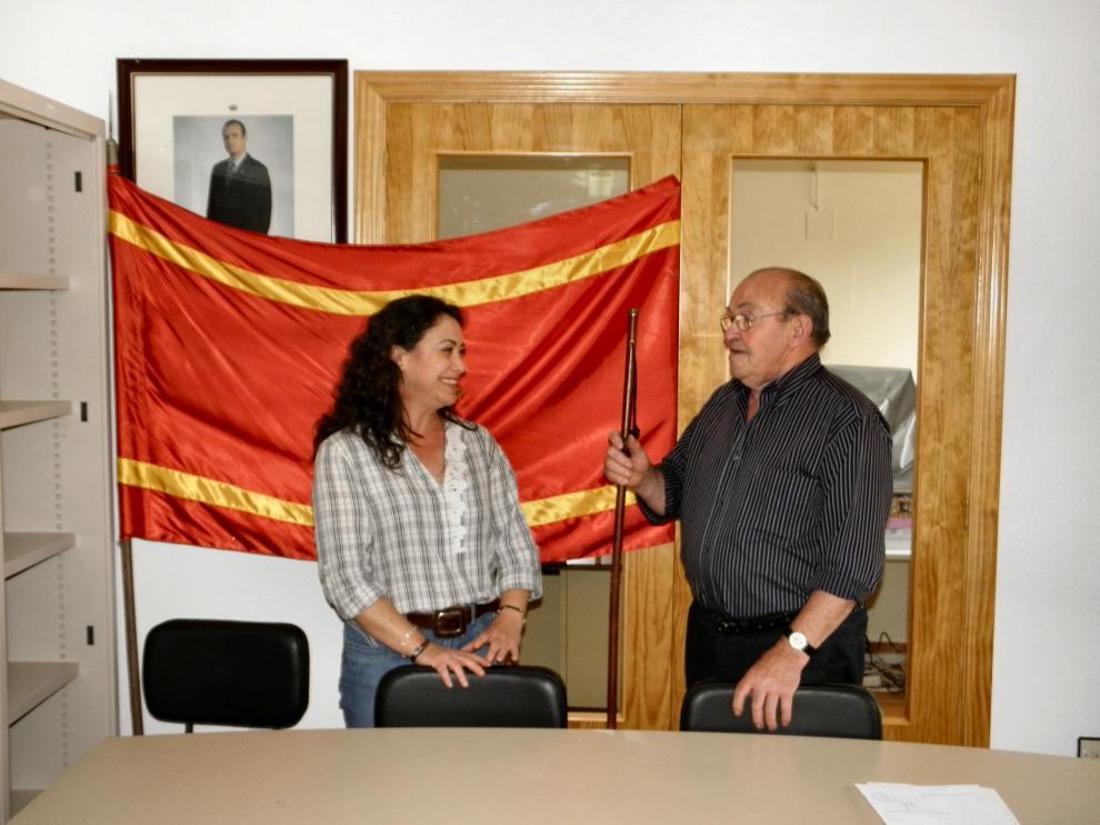 Mª Ángeles Serrano, en 2011, durante su toma de posesión como alcaldesa de Vistabella.