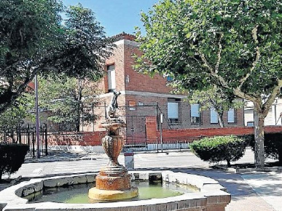 Antiguo edificio que alberga en la actualidad las aulas de infantil del colegio de Cariñena.