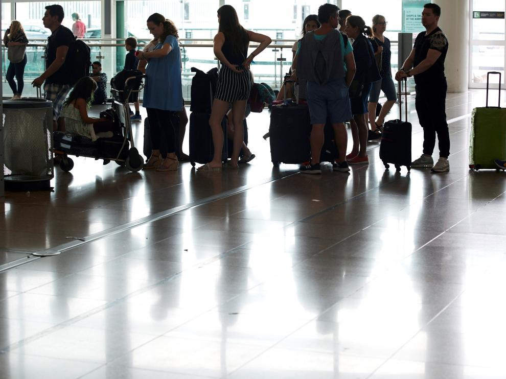 Huelga en el aeropuerto del Prat.
