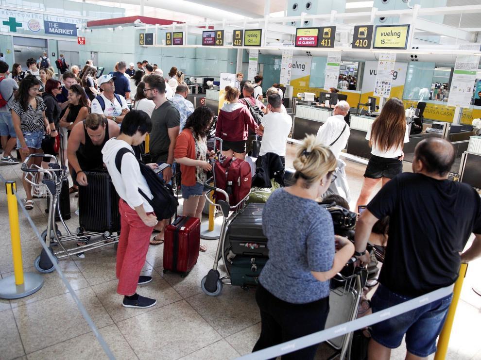 Vista de la terminal 1 del aeropuerto de Barcelona hoy domingo.