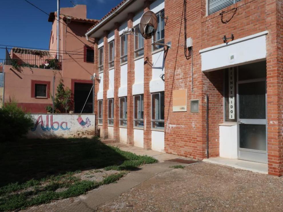 Escuela de Alba del Campo, a punto de cerrar por falta de alumnos.