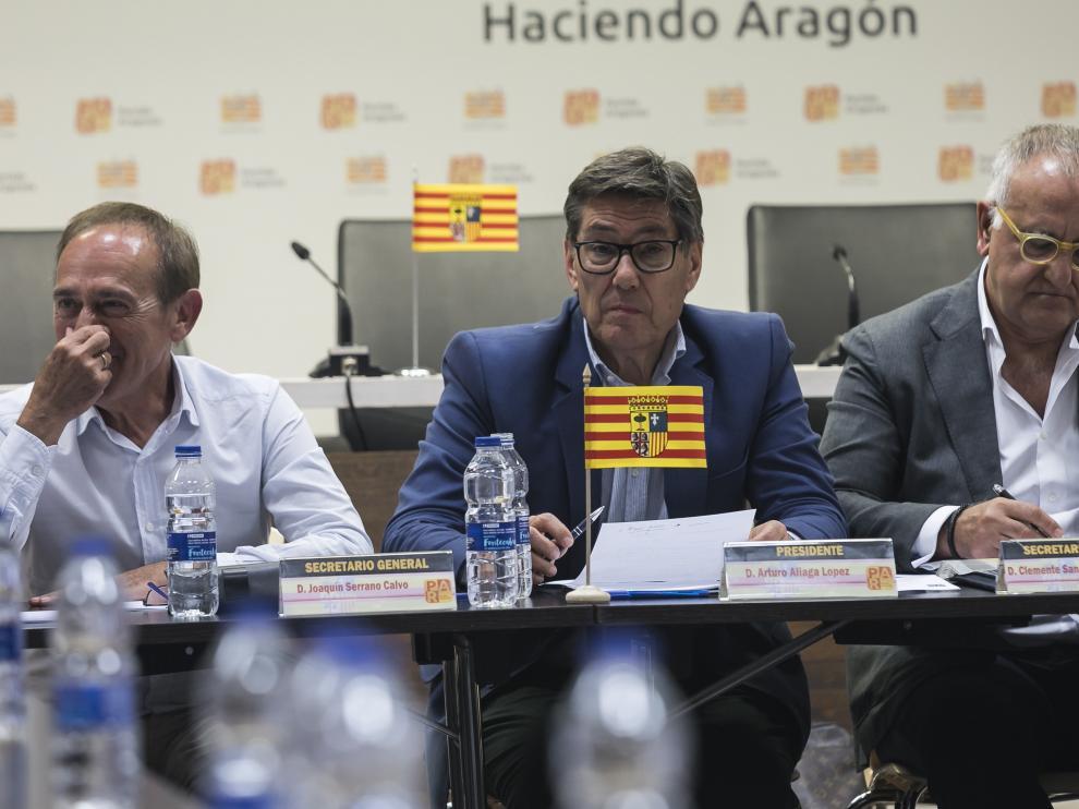 El líder del PAR, Arturo Aliaga, en la ejecutiva que ratificó ayer el acuerdo de investidura