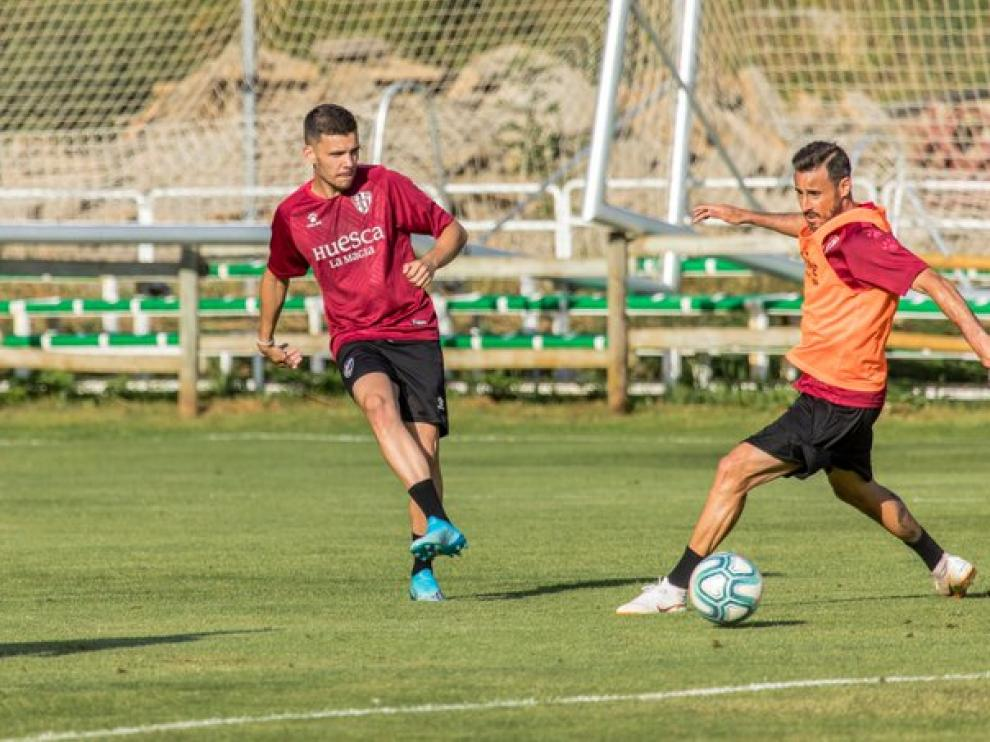 Álex Gallar y Pedro López durante el entrenamiento de este lunes.