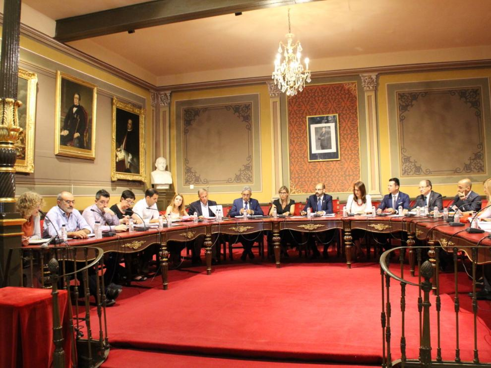 Pleno del Ayuntamiento de Barbastro.