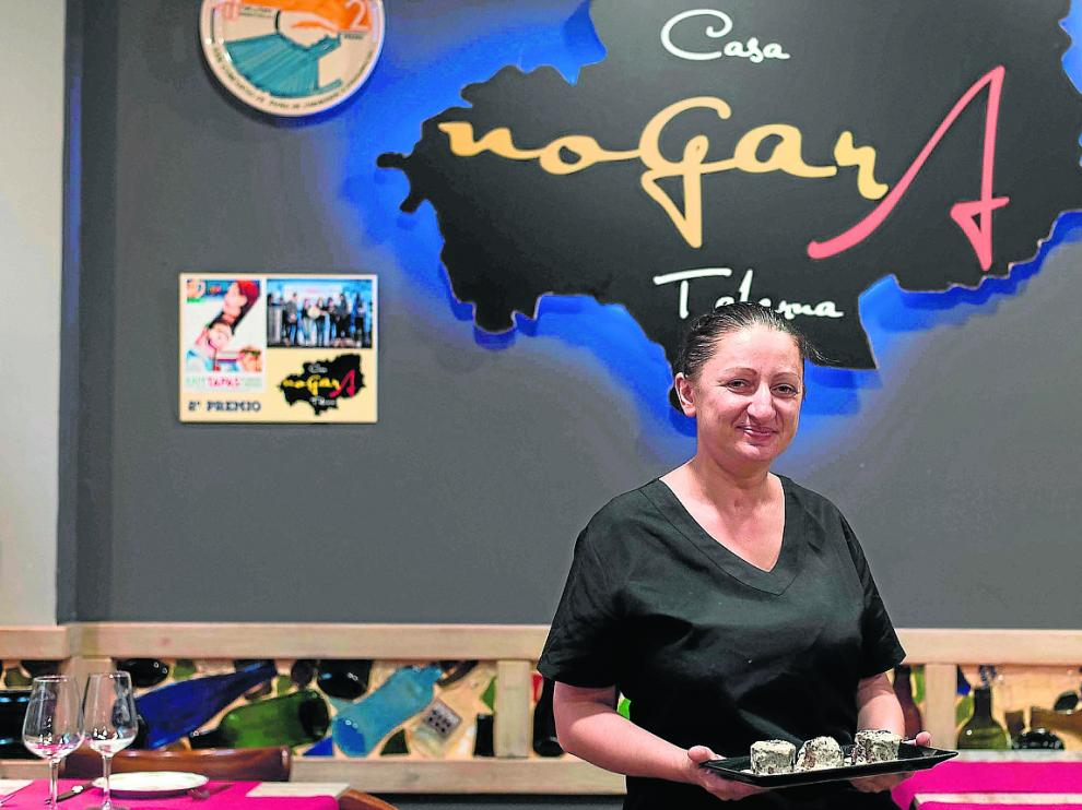 Mihaela Trifan, con la tapa de carrillera guisada con salsa de trufa.