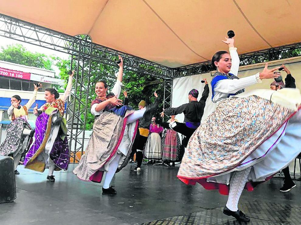 Un momento de la actuación del grupo, este martes por la tarde en el escenario de Plovdiv.