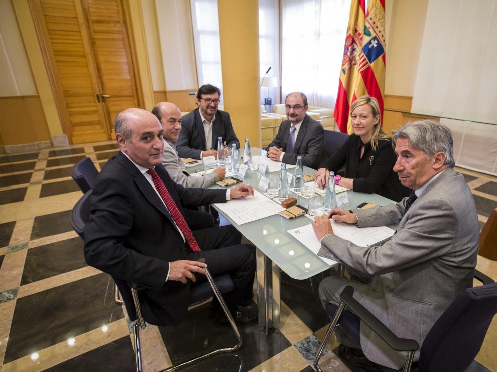 Imagen de la mesa del diálogo social en Aragón.