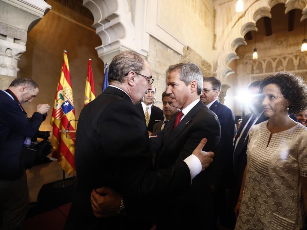 Pérez tiende la mano a Lambán sin renunciar a ser oposición firme y libre