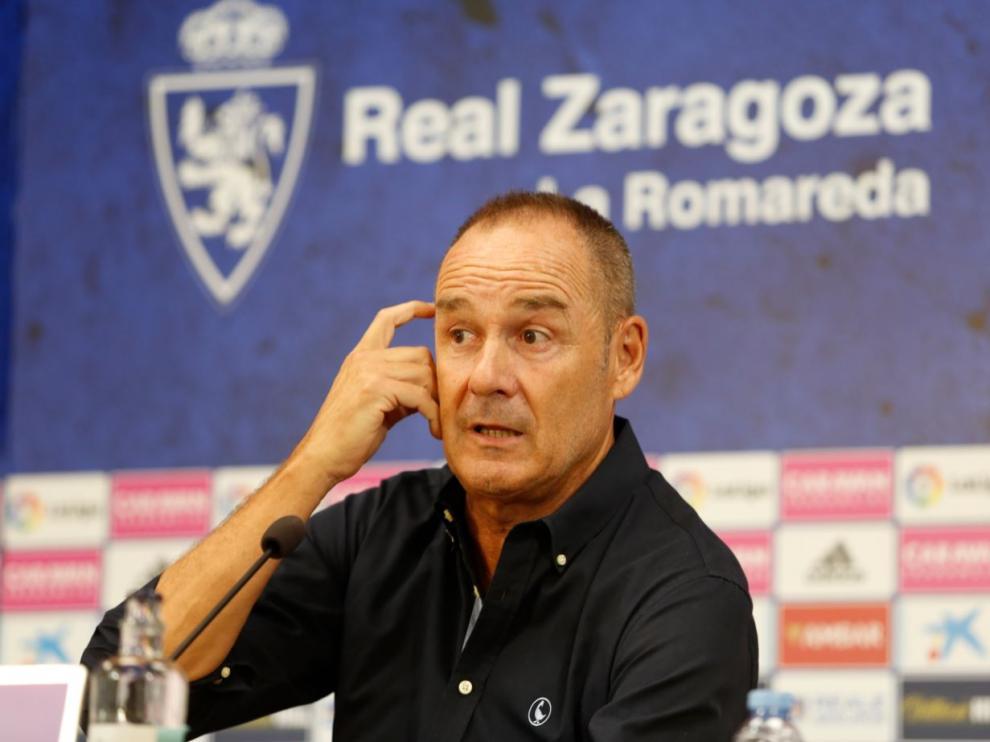 Víctor Fernández, en el transcurso de la rueda de prensa al mediodía de este martes.