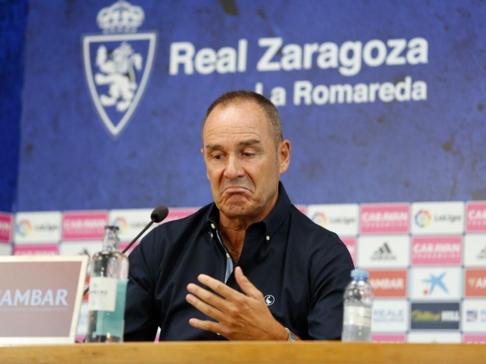 Víctor Fernández, en un gesto durante la rueda de prensa de este martes, 6 de agosto.