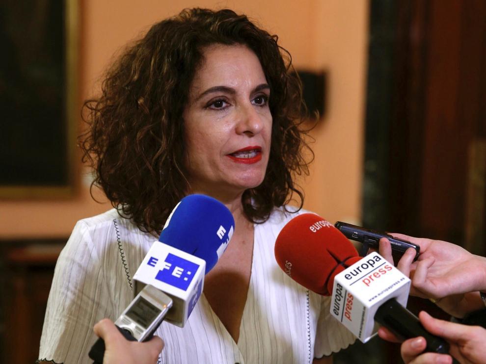 La ministra de Hacienda, María Jesús Montero, durante la declaraciones que ha realizado en la sede del Ministerio.