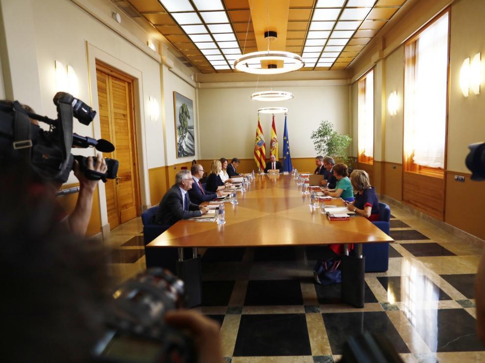 Primer Consejo de Gobierno celebrado tras la toma de posesión de los 10 nuevos consejeros.