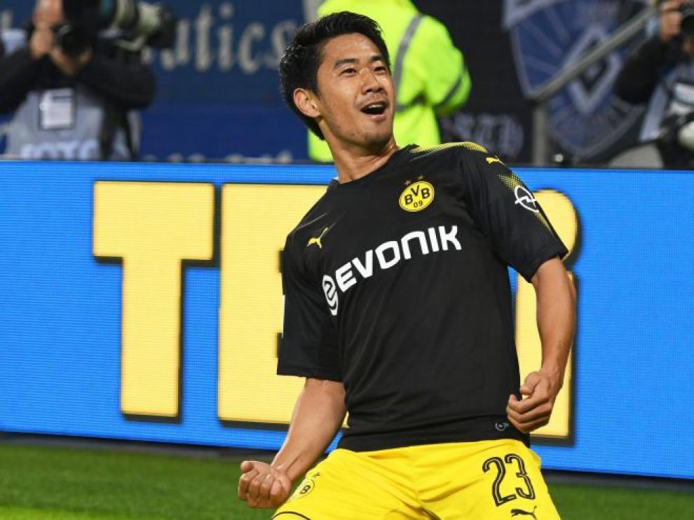 Kagawa celebra un gol con el Dortmund.