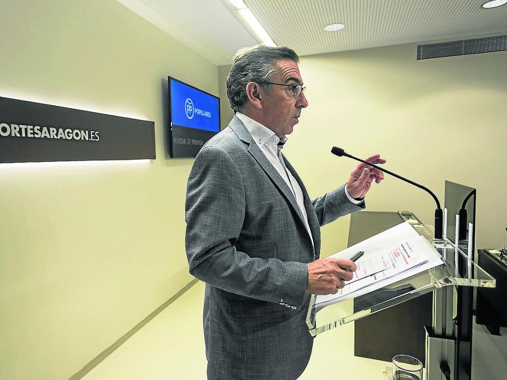 El presidente regional del PP, Luis María Beamonte, ayer, en las Cortes de Aragón.
