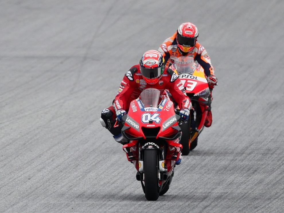 Dovizioso, tras adelantar a Márquez en la última curva.
