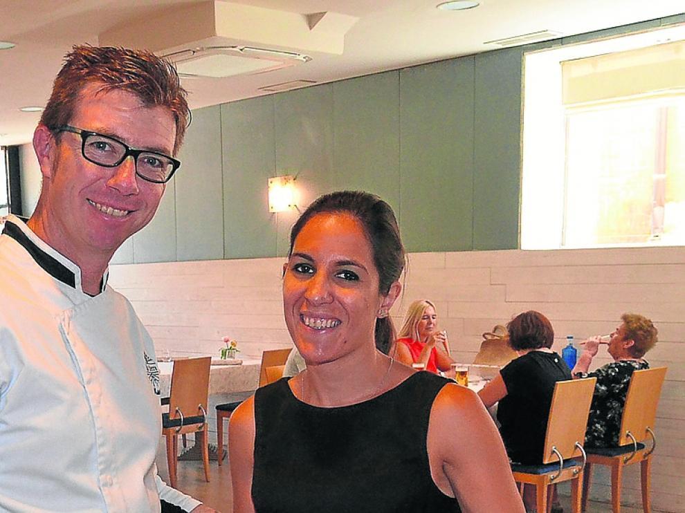 Ariel Martín y Carla Savio, en el restaurante D'La Tierra.