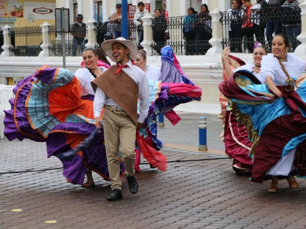 Alcalá de la Serva, Burearte, folclore, Costa Rica, Siberia, La Rioja, Bilgaria, danza