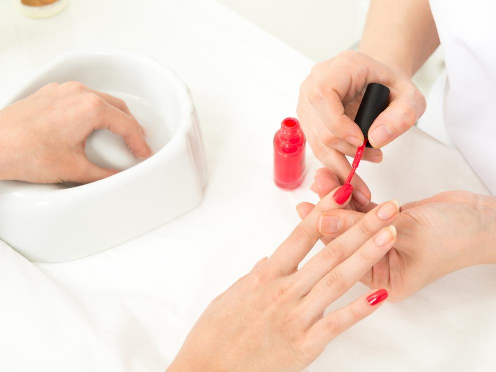 Los centros de manicura y pedicura han proliferado como respuesta a una demanda cada vez mayor por la estética de las uñas.
